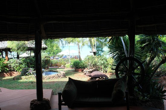 Ras Nungwi Beach Hotel : Lounge Area