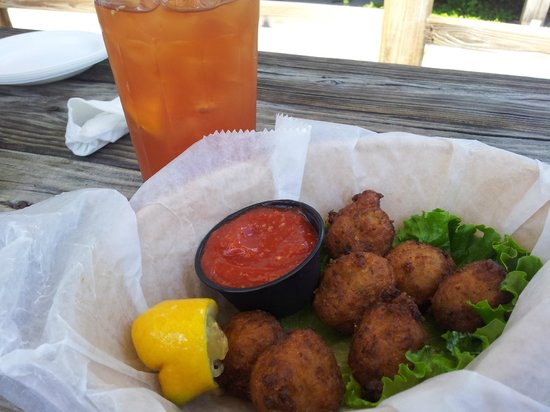 Crackers Bar & Grill: Conch Fritter Appetizer (there were 8 - I couldn't wait)