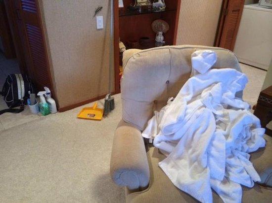 Mauna Lani Terrace Condominiums : Pile of Towels