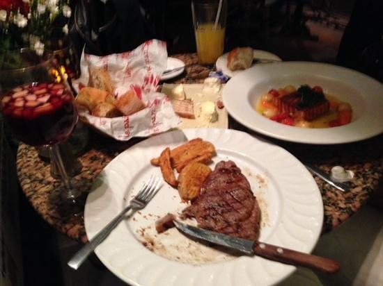 Cluny : steak frites y saumon belle epoque