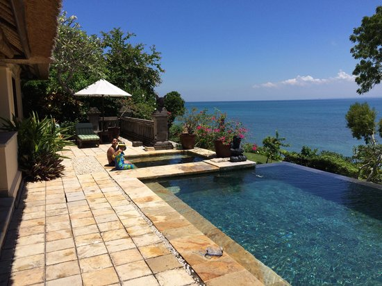 Four Seasons Resort Bali at Jimbaran Bay: Villa pool