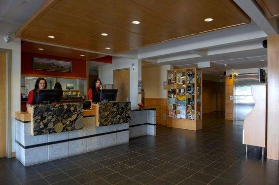 Hotel & Suites Le Dauphin Quebec : Lobby
