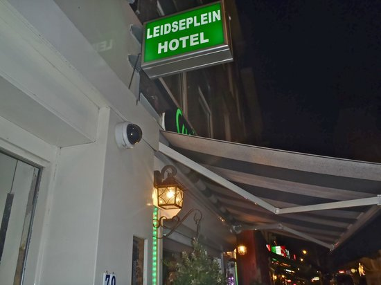 Leidseplein Hostel : Outside Sign