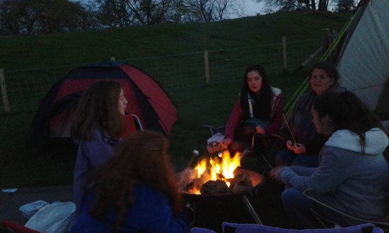 Clwydian Wigwams: Marshmallows round the fire