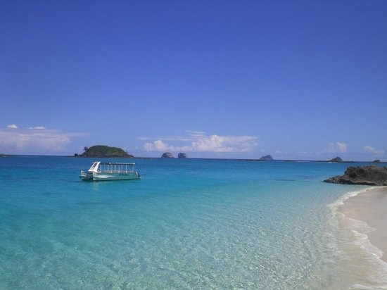 Constance Tsarabanjina: Spiaggia all'ingresso del resort