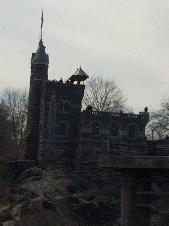 Central Park : Belvdeder Castle from the Turtle Pond