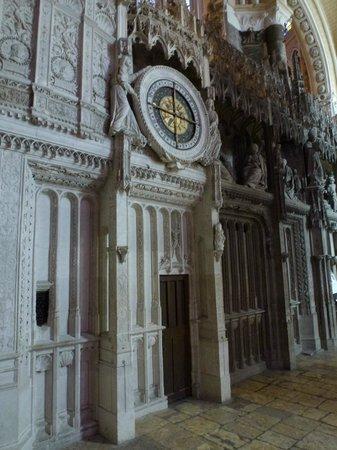 Cathédrale de Chartres : Astrological clock inside, newly restored