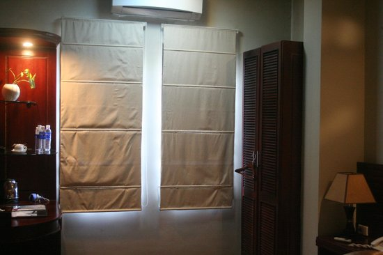 Asia Hotel: Curtains down - nothing to see through windows