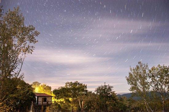 Complejo Rural Puerto Peñas: Nocturnas desde el complejo.