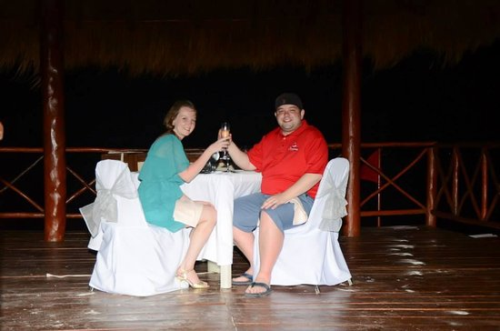 Beloved Playa Mujeres : Dinner on the Beach