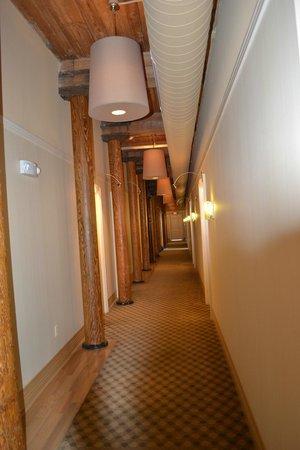 Craddock Terry Hotel: Hall way