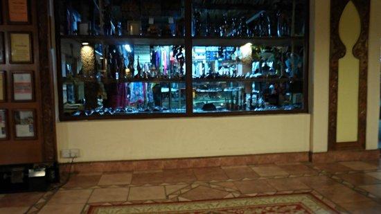 Kunduchi Wet 'N' Wild Water Park: curio shop