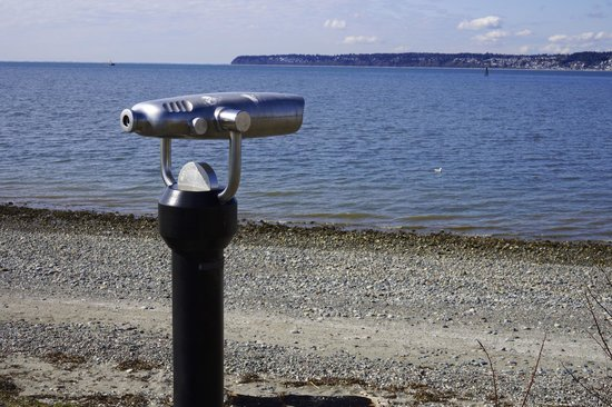 Semiahmoo Resort: one of several lookouts to view the scenery