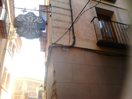 Hotel Santa Isabel: entrada al hotel