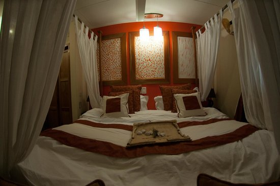 Oceane Self Catering: Room inside