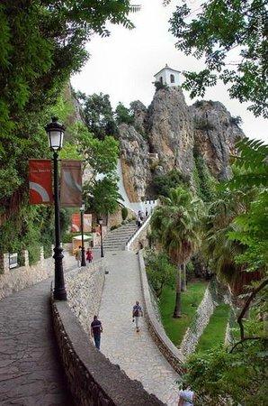 Valle del Guadalest: Подъем к крепости