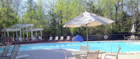 Hampton Inn & Suites Wilmington/Wrightsville Beach: pool area
