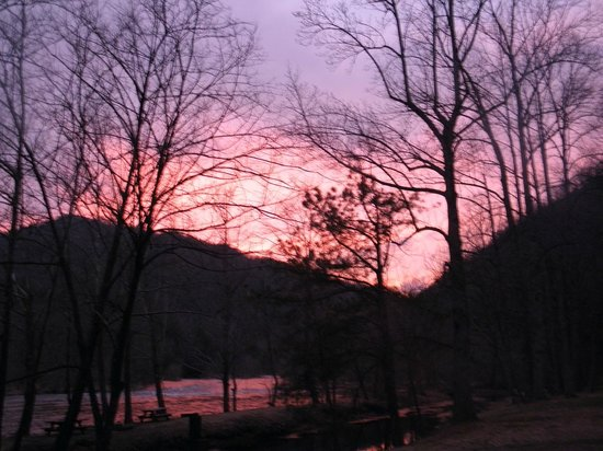 Nolichucky Gorge Campground: Sunset at the Campground