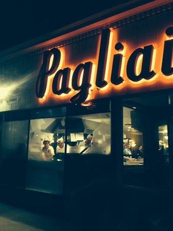 A & A Pagliai's Pizza : Pagliai's
