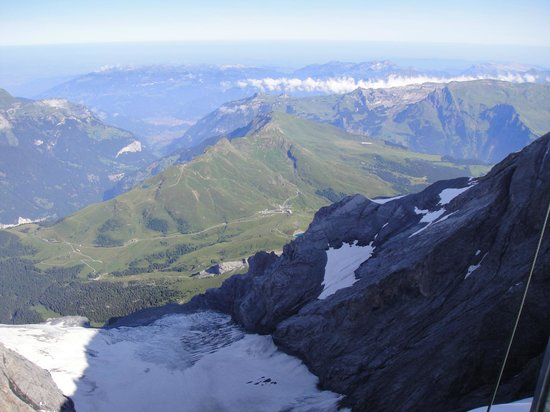 The Eiger: Kleine Scheidegg desde Top of Europe
