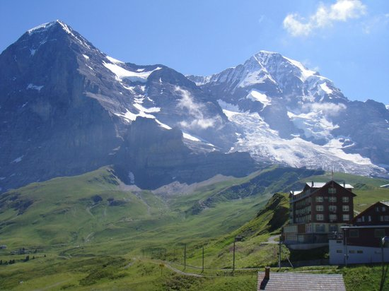 The Eiger: Kleine Scheidegg con vistas al Mönch, Top of Europe y Jungfrau