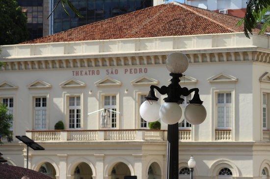 Teatro São Pedro: Vista externa