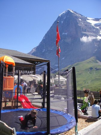 The Eiger: Restaurante Eigernordwand
