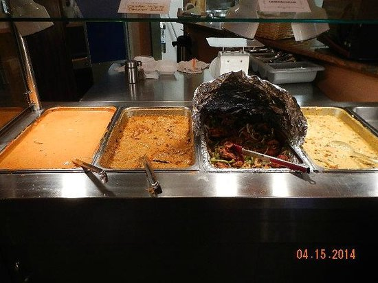 Cafe Spice/Indian Cuisine : buffet table 1