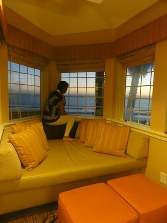 SeaCrest OceanFront Hotel : taking in the sunset