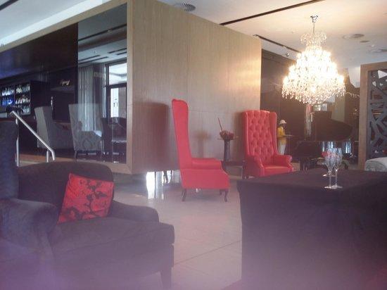 Pepperclub Hotel & Spa: Hotel foyer