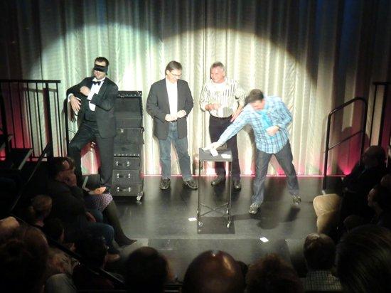 Strotmanns Magic Lounge: Mitmachen muß fast jeder...