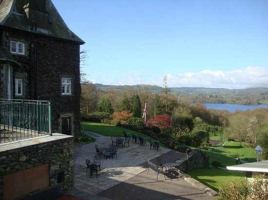 Holbeck Ghyll Country House: Terrace and grounds