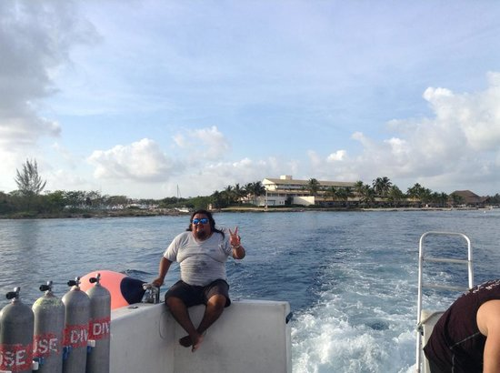 Dive House: cruzzzz!!!!!! body guard at divehouse!!! just meade you trip safe!!