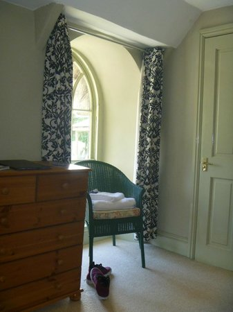The Old Inn: Double character windows made the room feel light and spacious