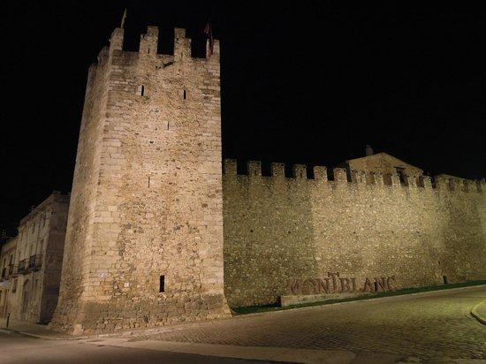 El Moli del Mallol : View of town walls from the restaurant