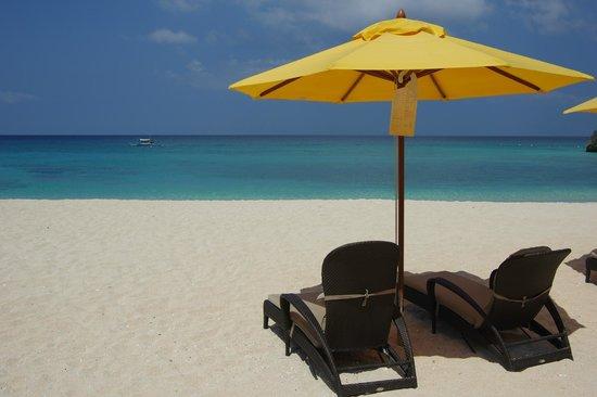Shangri-La's Boracay Resort & Spa: Banyugan beach