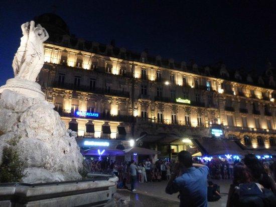Place de la Comedie: At night