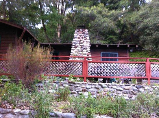 Ripplewood Resort : Вид с дороги