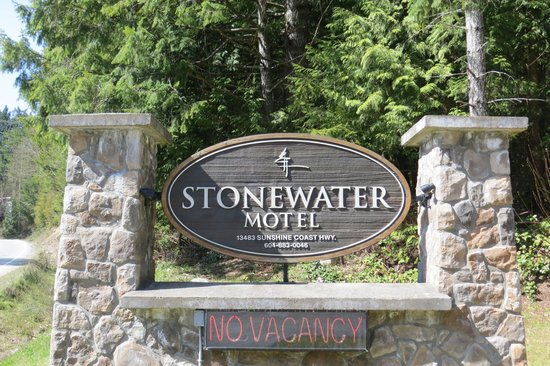 The Stonewater Motel: Entrance sign.