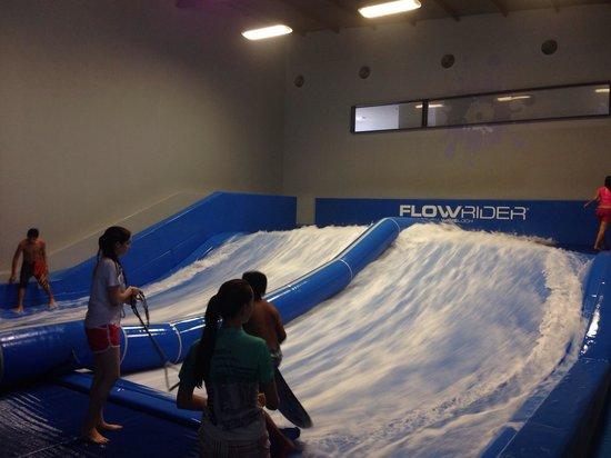 Zapopan, Messico: Surfeando en Guadalajara!
