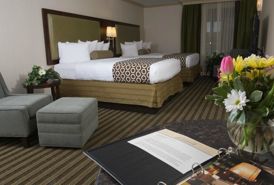 Best Western Premier The Central Hotel & Conference Center : Two Room Suite, Queen Room