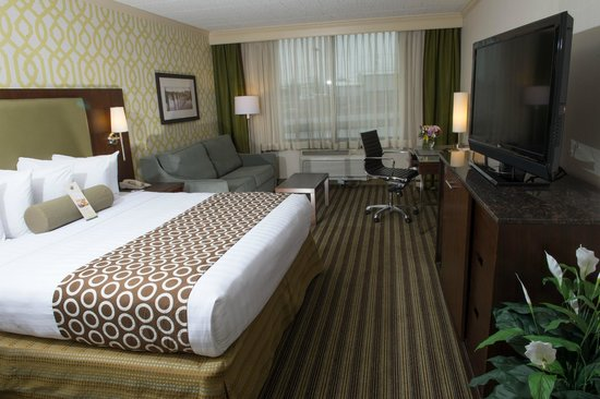 Best Western Premier The Central Hotel & Conference Center : Deluxe King Guest Room