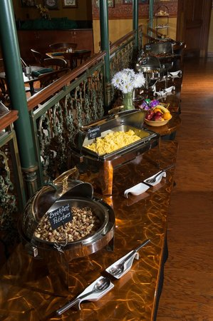 Best Western Premier The Central Hotel & Conference Center : Full Hot Breakfast Buffet