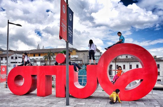 Quito Old Town: Quito emblematic signs starting appearing around the city in 2013