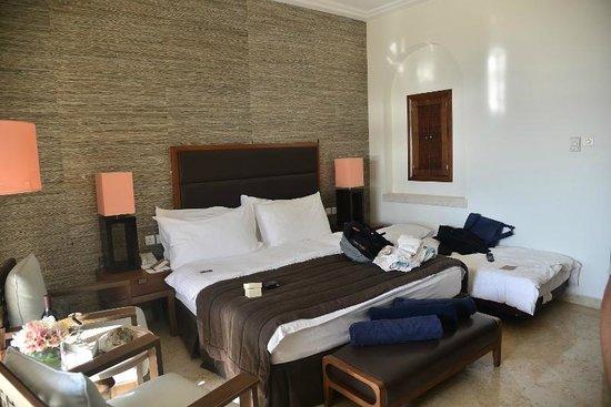 Movenpick Resort & Spa Dead Sea: Our room