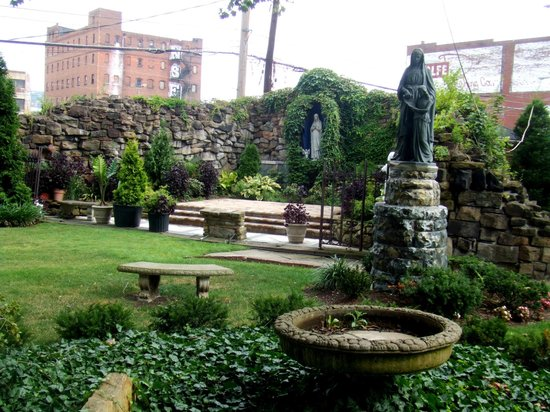The Strip District: St Patrick's Garden