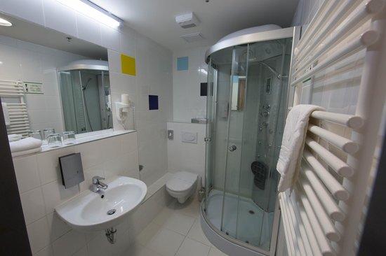 Bo18 Hotel Superior : Ванная