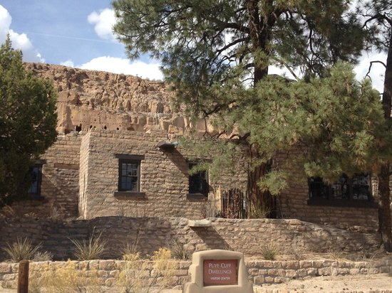 Puye Cliff Dwellings: Visitor Center
