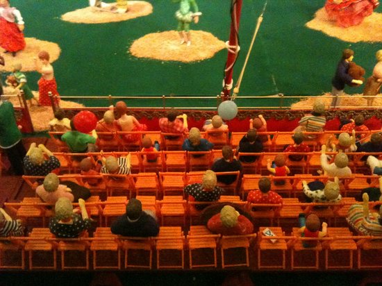The Ringling: Another miniature circus display