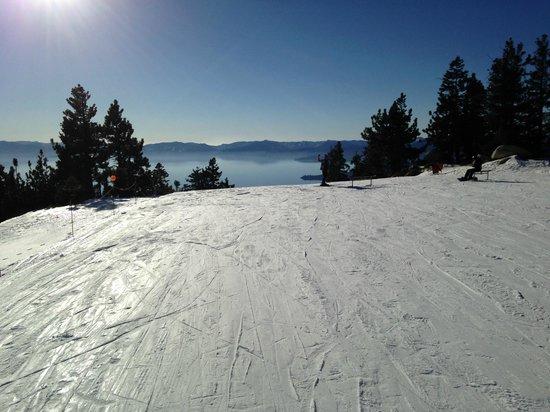 Diamond Peak Ski Resort: Very cool Lake Tahoe Views from the top of the lifts